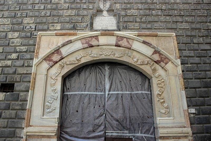 Portale d'ingresso Palazzo Penne