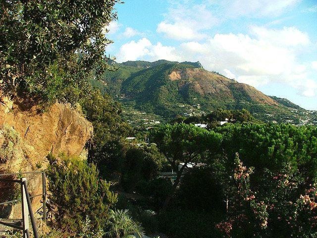 Vista dai Giardini La Mortella