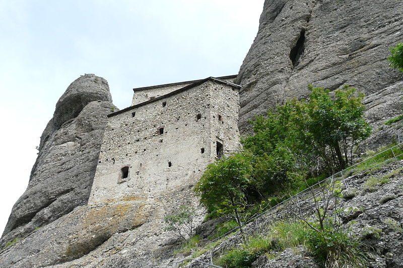 Castello della Pietra, vista dal sentiero