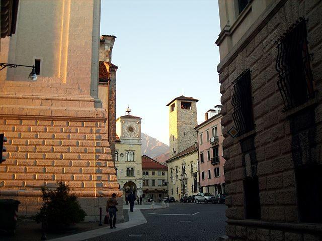 Belluno, Piazza Duomo – Foto Wikipedia
