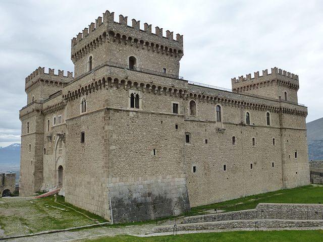 Castello Piccolomini – Foto Wikipedia