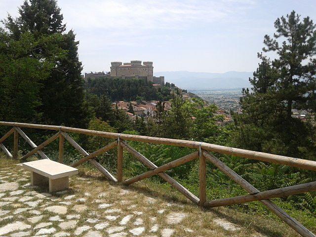 Veduta del Castello Piccolomini – Foto Wikipedia