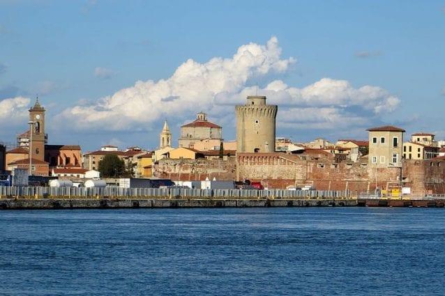 Panorama di Livorno dal Molo Mediceo