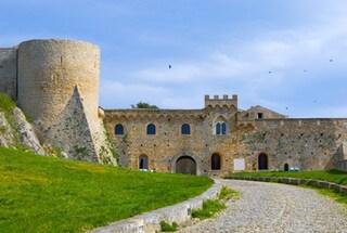 Bovino: il borgo degli 800 portali in pietra