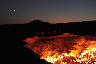 La Porta dell'Inferno: un cratere che brucia da più di 40 anni