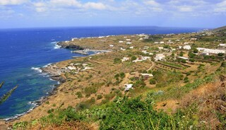 Pantelleria: la Perla Nera del Mediterraneo