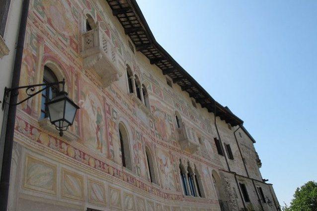 Spilimbergo, facciata del Palazzo Dipinto