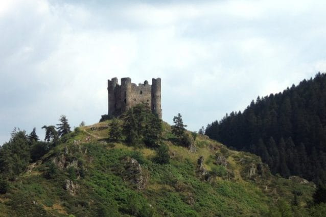 Castello di Alleuze – Foto Wikimedia Commons