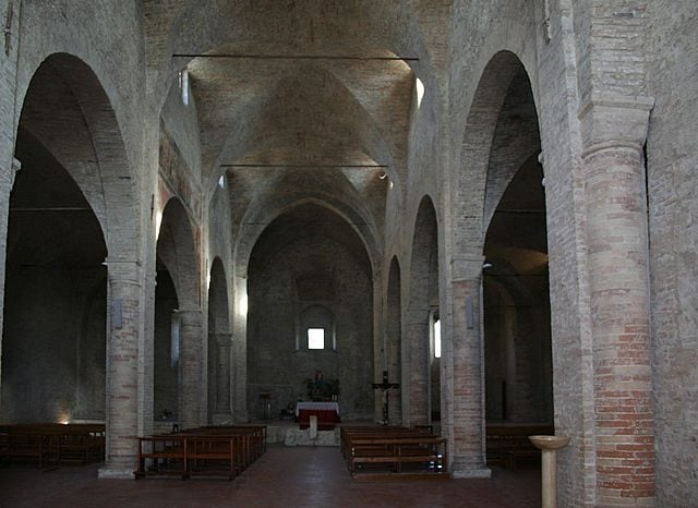 Santa Maria di Propezzano, interno – Foto Wikipedia