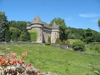 Castello di Auzers: una dimora storica immersa nel verde