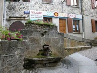 Chaudes-Aigues, la sorgente termale più calda d'Europa