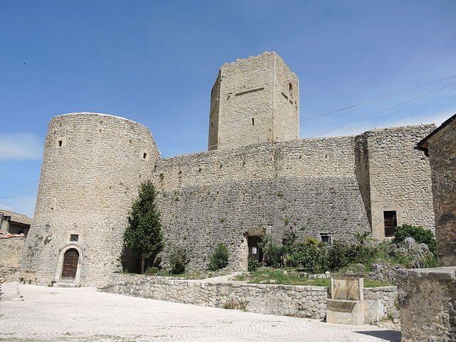 Castello Cantelmo – Foto Wikipedia