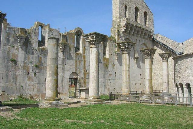 Interno della Chiesa Incompiuta, Venosa