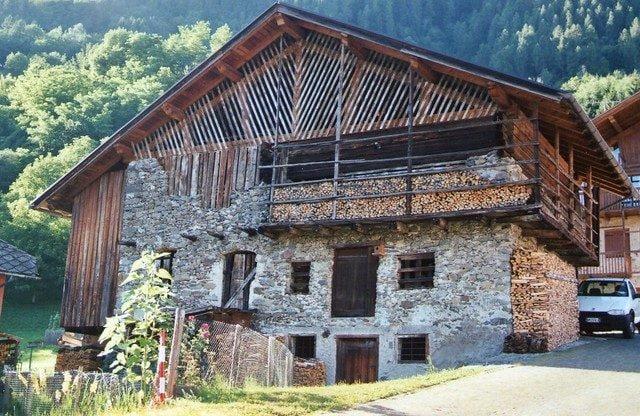 Borgo di Mezzano