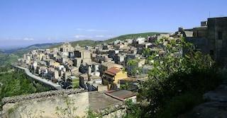 Visita al borgo siciliano di Monterosso Almo