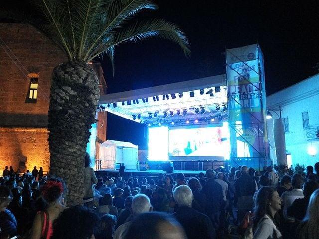 Palcoscenico al Cous Cous Fest – Foto Wikipedia