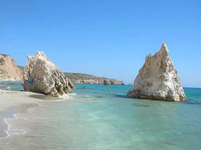 Una delle insenature della spiaggia di Firiplaka