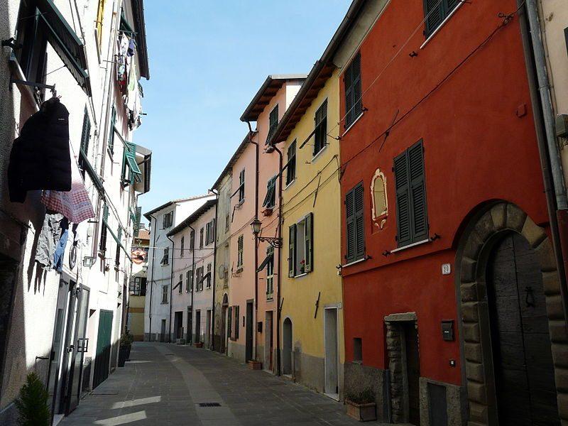 Via Borgo San Bernardo, Brugnato