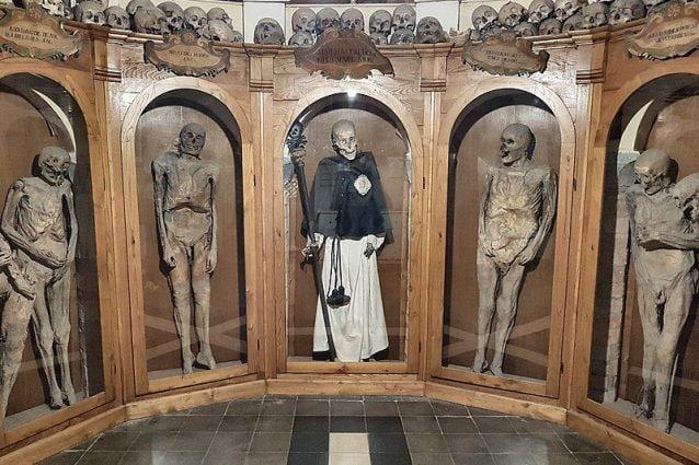 chiesa dei Morti e cimitero delle mummie