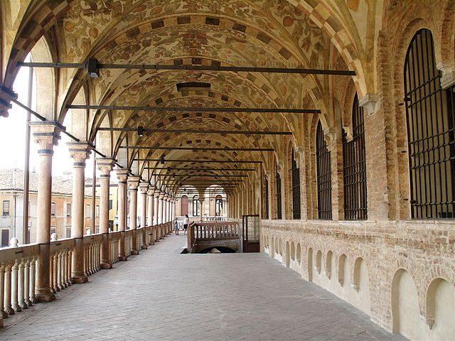Loggiato del Palazzo della Ragione – Foto Wikipedia