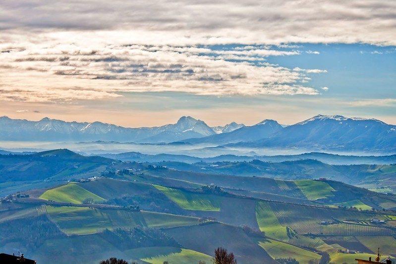 Dai Monti Sibillini ai Monti della Laga attraverso la Campagna Marchigiana