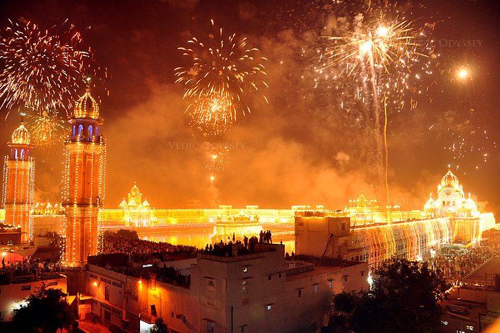 Celebrazioni per il Diwali – Foto Wikipedia