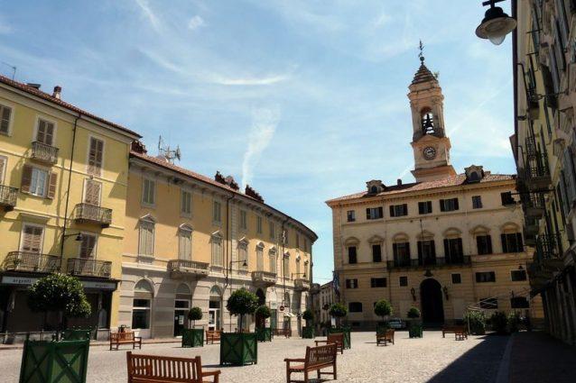 Piazza Ferruccio Nazionale, Ivrea