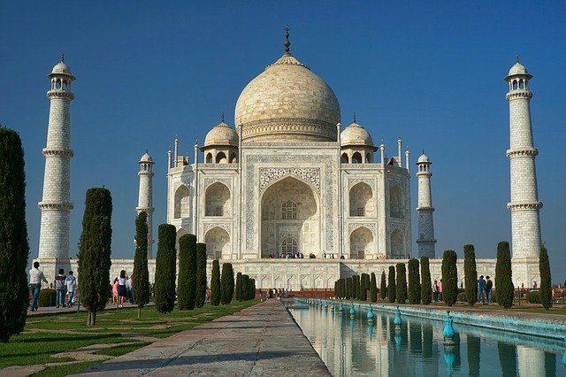 Taj Mahal – Foto di Volker Glätsch da Pixabay