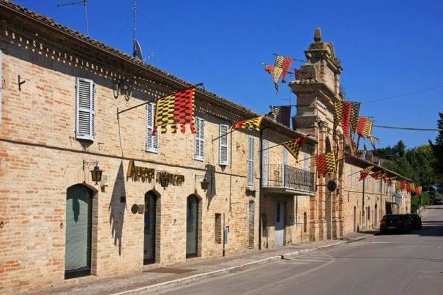 Scorcio del perimetro esterno del centro storico di Servigliano