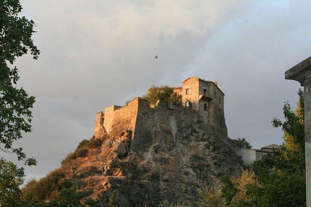 Castello di Isabella Morra – Foto Wikimedia Commons