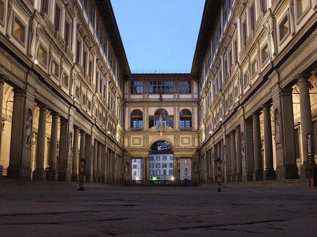 La Galleria degli Uffizi racchiude numerose opere di Raffaello – Foto Pixabay