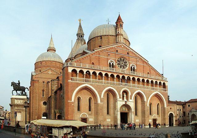 Basilica di Sant'Antonio – Foto Wikipedia