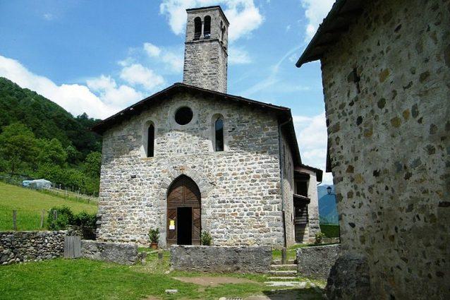 Chiesa S Cornelio e Cipriano - Cornello dei Tasso