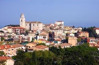 Sirolo: un borgo a picco sul mare