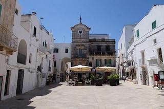 Cisternino: borgo circondato da ulivi e trulli nella Valle d'Itria