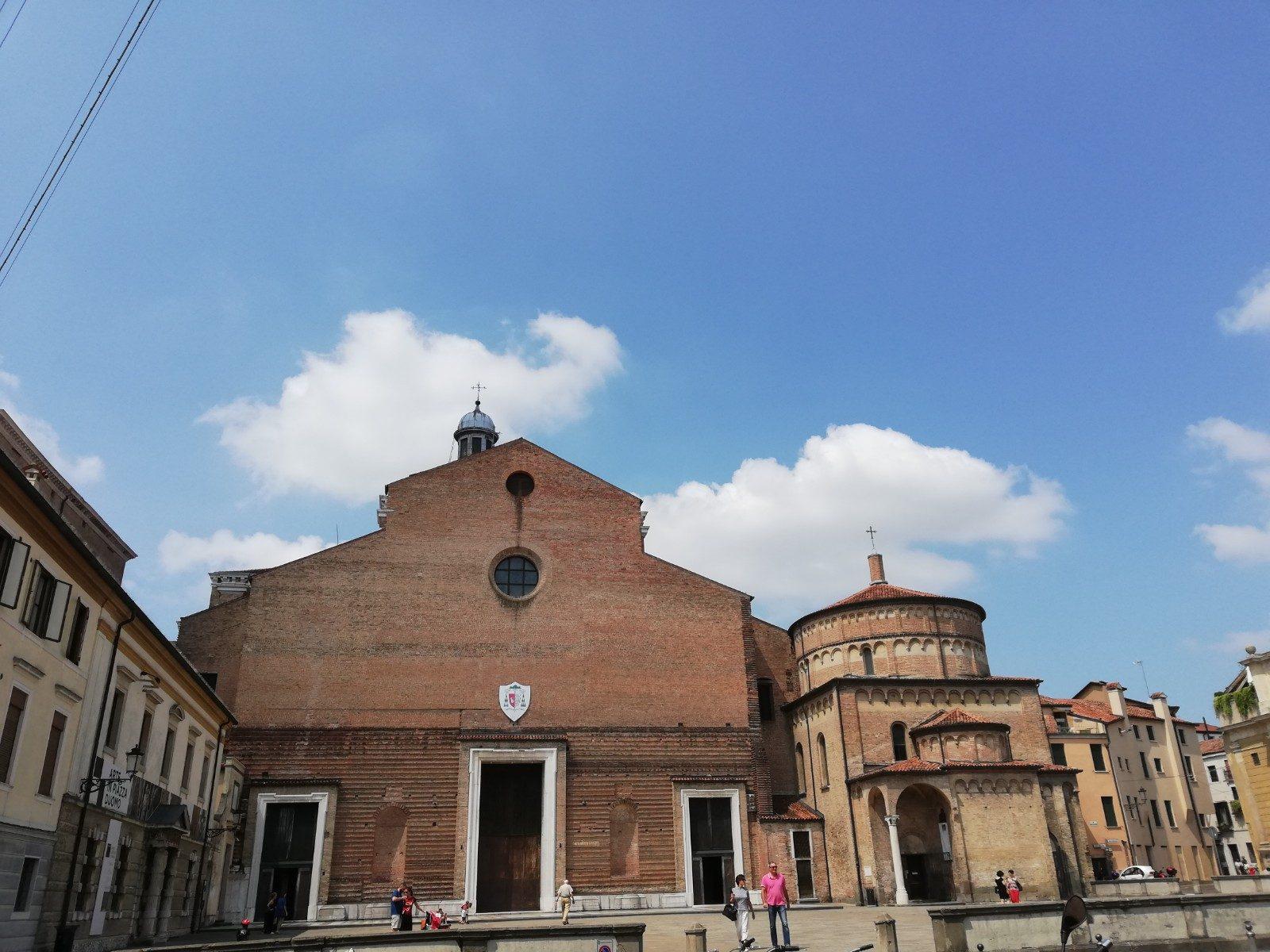 Duomo di Padova con il Battistero