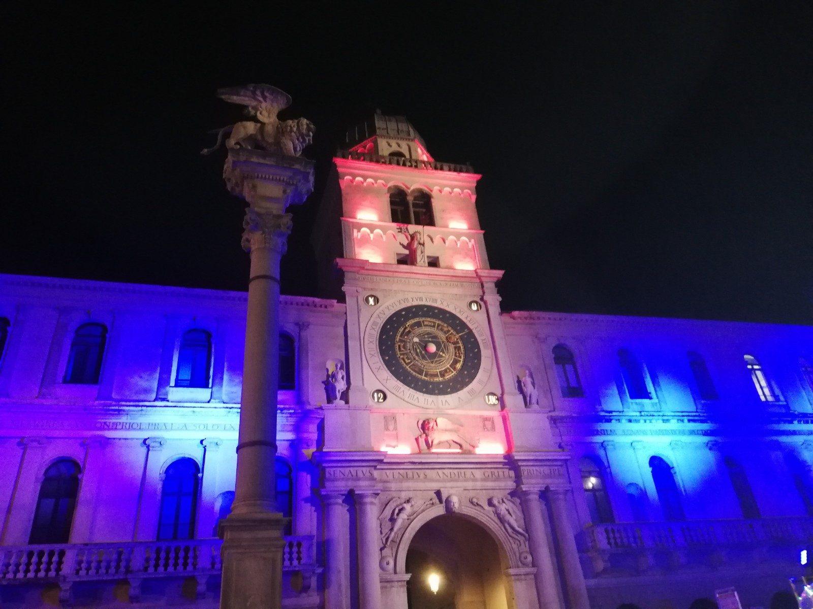 Piazza dei Signori con la Torre dell'Orologio