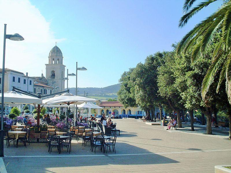 Piazza di Sirolo