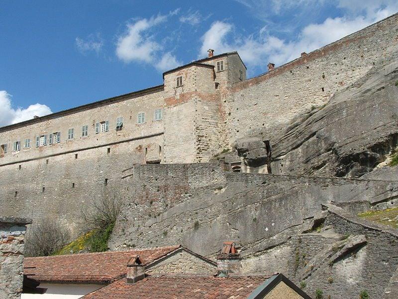 Forte di Gavi, le mura della fortezza