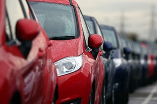 Auto sempre più care in Italia, negli ultimi 3 anni il prezzo è cresciuto del 3,4%
