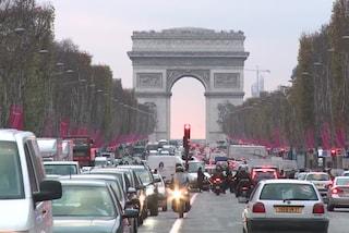 Parigi dichiara guerra alle auto diesel, da luglio saranno banditi i veicoli Euro 2
