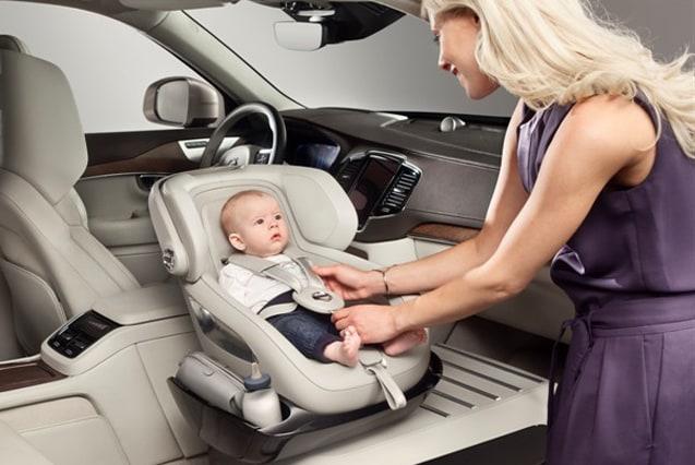 miglior prezzo nuovo autentico migliore vendita Bimbi in auto, ecco le regole per viaggiare in sicurezza