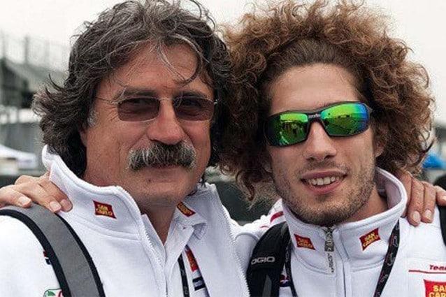 Marco Simoncelli con suo papà Paolo / Getty Images
