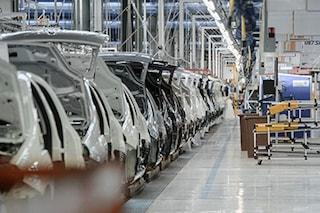 Auto, il mercato frena ancora: -9,6% a marzo, il bonus/malus non aiuta