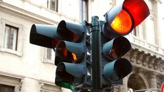Arrivano i semafori che fanno le multe, installati a Torino i primi T-red