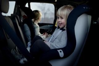 Colpo di calore in auto, basta un'ora sotto al sole per mettere in pericolo un bambino