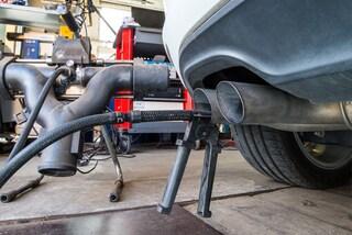 Cresce il superbollo francese, sovrattassa fino a 10.500 euro per le auto più inquinanti
