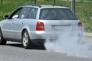 Emissioni auto, in arrivo incentivi per la rottamazione benzina e diesel Euro3 e inferiori
