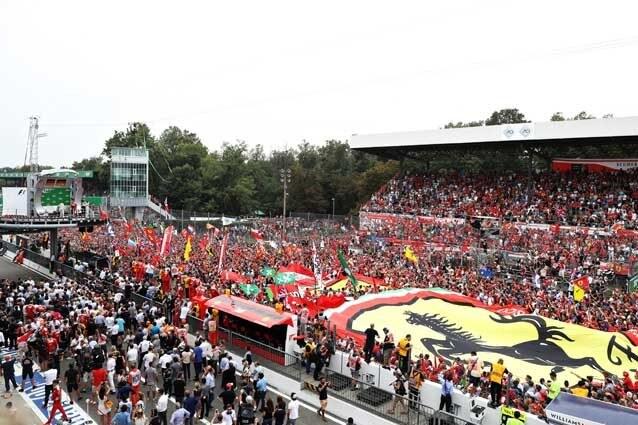 La festa sotto il podio del Gp d'Italia di Formula 1 / GettyImages