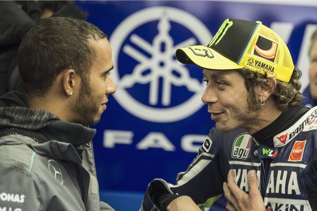 Lweis Hamilton e Valentino Rossi